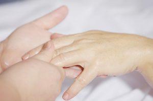 Le toucher essentiel au bien-être de tous